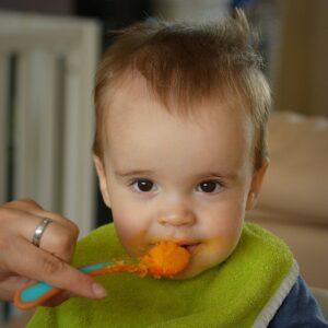 Får baby mad nok?